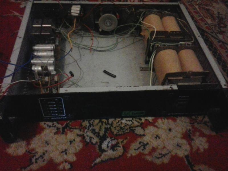 Транзисторы стоят MJ 15024/